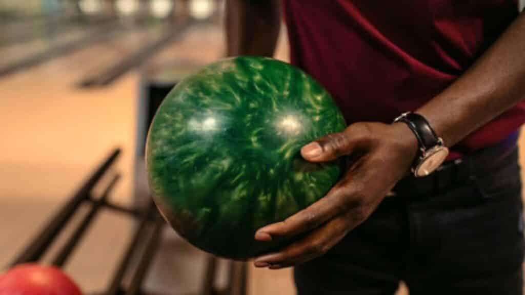 Urethane Vs Reactive Resin Bowling Ball